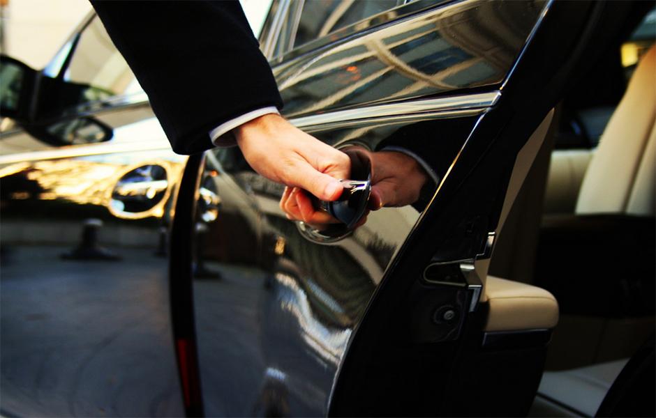 Private Limousine Airport Transfer